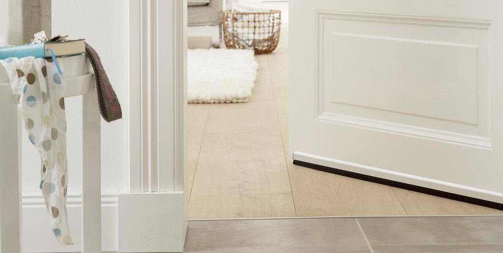 Türen und Fenster mit Profilen abdichten · Ratgeber Haus & Garten