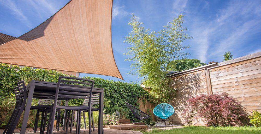 sonnenschutz markise auf balkon und terrasse ratgeber haus garten. Black Bedroom Furniture Sets. Home Design Ideas