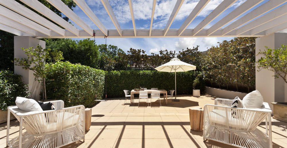 Systeme und Materialien für die Terrassenüberdachung · Ratgeber ...