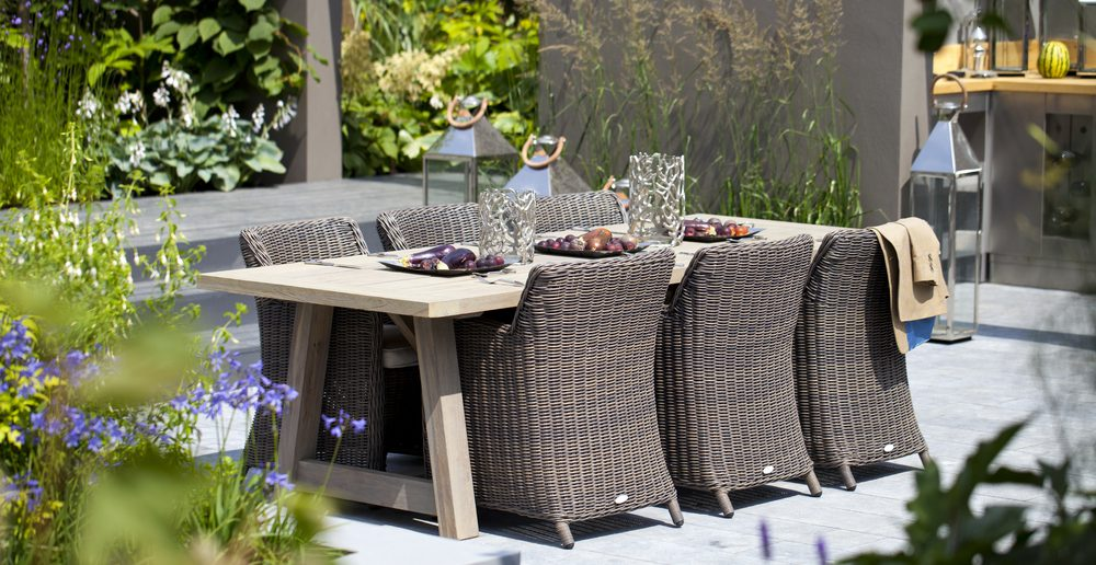 der richtige terrassentisch f r die terasse ratgeber. Black Bedroom Furniture Sets. Home Design Ideas