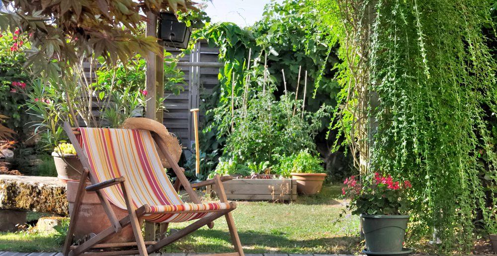 sitzecke garten das sommerwohnzimmer ratgeber haus garten. Black Bedroom Furniture Sets. Home Design Ideas